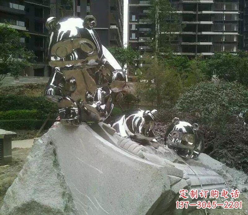 户外熊猫雕塑